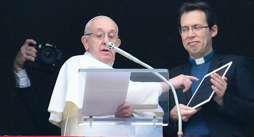 Papież przedstawia nową aplikację