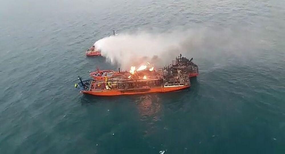 Płonące tankowce na Morzu Czarnym