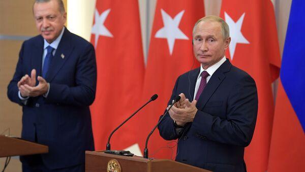 Spotkanie prezydentów Rosji i Turcji Władimira Putina i Recepa Tayyipa Erdogana - Sputnik Polska
