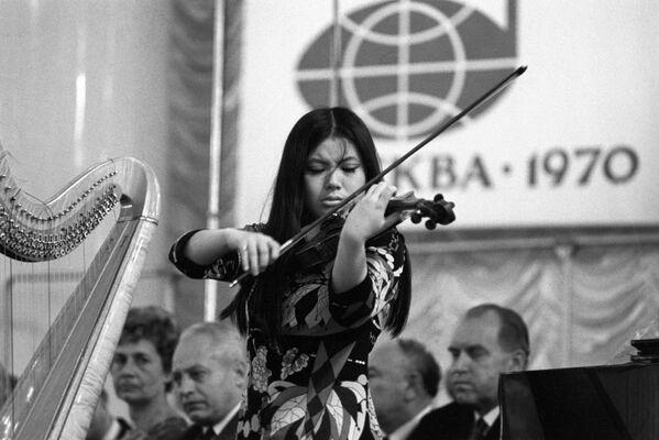 Występ japońskiej studentki Eki Sato - Sputnik Polska