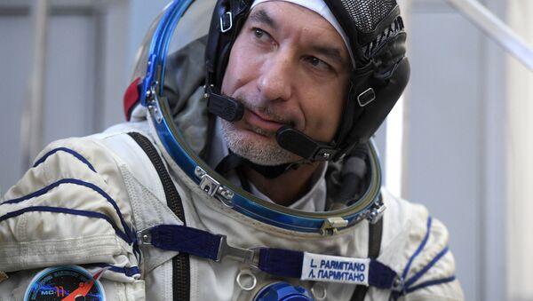 Członek załogi rezerwowej MSK-58/59, astronauta ESA Luca Parmitano - Sputnik Polska