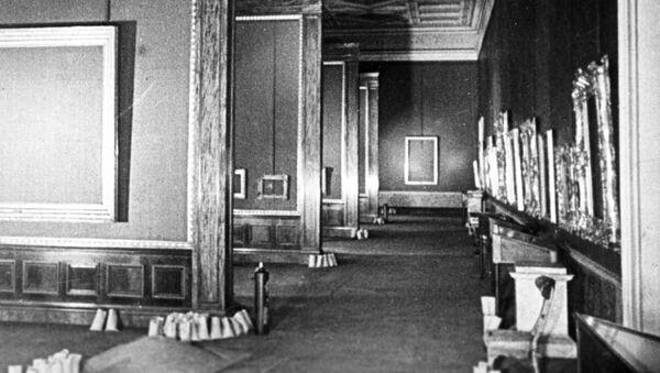 Puste sale Ermitaża podczas blokady Leningradu - Sputnik Polska