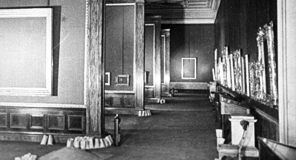 Puste sale Ermitaża podczas blokady Leningradu