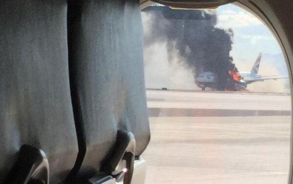 Pożar w samolocie na lotnisku w Las Vegas - Sputnik Polska