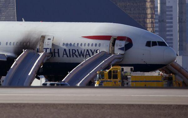 Samolot British Airways na lotnisku w Las Vegas po ugaszeniu pożaru - Sputnik Polska