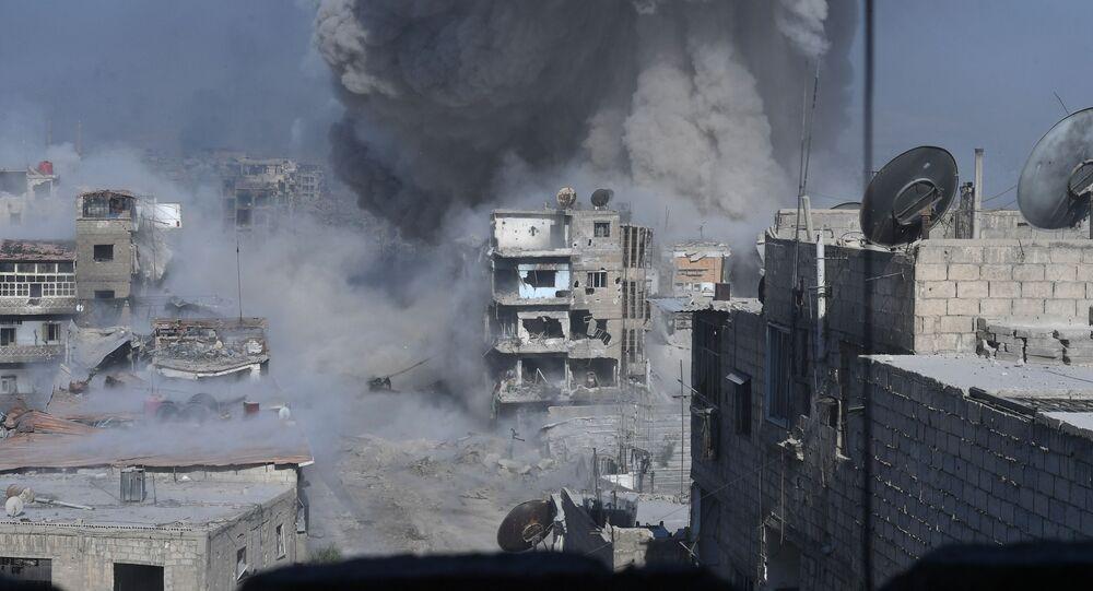 """Szturm na pozycje bojowników organizacji terrorystycznej """"Państwo Islamskie"""" na przedmieściach Damaszku"""