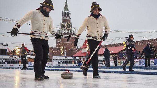 Międzynarodowy turniej curlingowy wśród męskich drużyn z serii World Curling Tour - Red Square Classic 2019 - Sputnik Polska