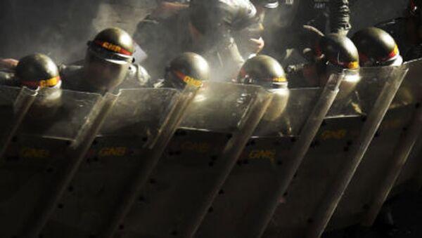 Национальная гвардия Венесуэлы во время акции протеста против президента Николаса Мадуро в Каракасе - Sputnik Polska