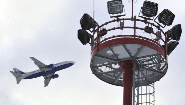 Samolot pasażerski startuje z lotniska Domodiedowo. Zdjęcie archiwalne - Sputnik Polska
