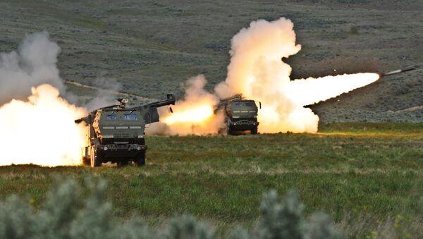 Amerykańskie wyrzutnie rakietowe HIMARS - Sputnik Polska