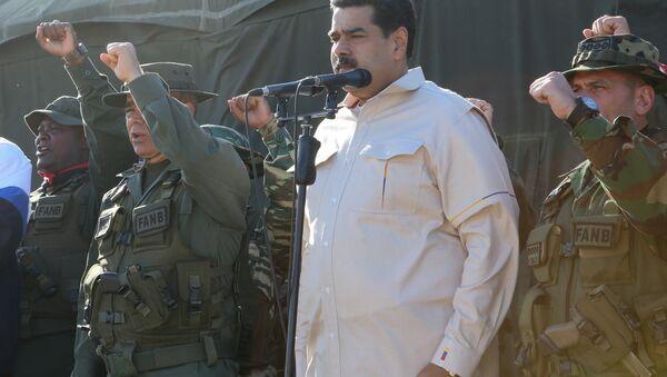 Prezydent Wenezueli Nicolas Maduro na ćwiczeniach wojskowych - Sputnik Polska