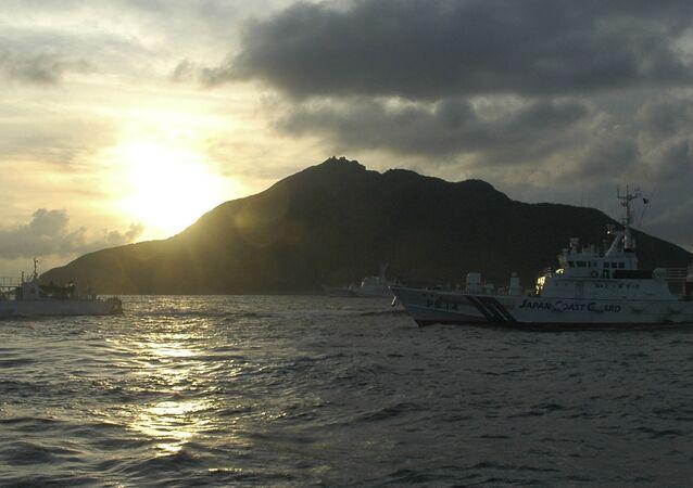 Japońskie okręty patrolowe na wodach w pobliżu spornych wysp Diaoyudao (Senkaku) na Morzu Wschodniochińskim