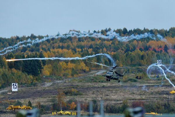 Mi-8MT na ceremonii otwarcia 10. Międzynarodowych Targów Wojskowych Russia Arms Expo - Sputnik Polska