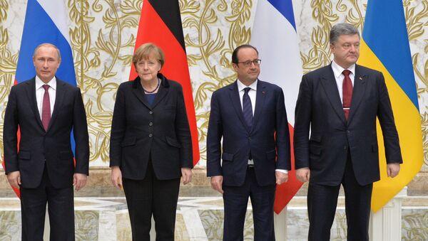 Prezydent Rosji Władimir Putin, kanclerz Niemiec Angela Merkel, prezydent Francji François Hollande i prezydent Ukrainy Petro Poroszenko - Sputnik Polska