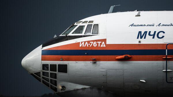 Samolot Ministerstwa Sytuacji Nadzwyczajnych Rosji Ił-76 - Sputnik Polska