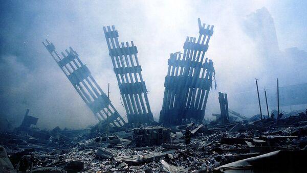 Gruzy WTC w Nowym Jorku po zamachach terrorystycznych 11 września - Sputnik Polska