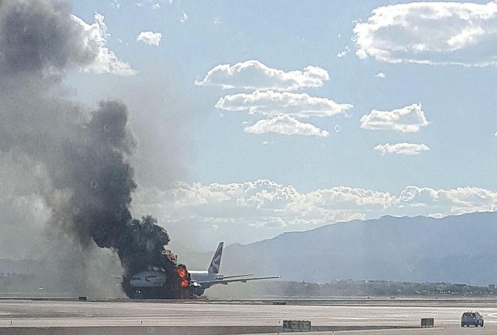 Pożar w samolocie Boeing 777 na lotnisku w Las Vegas