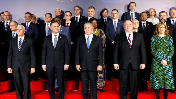 Uczestnicy konferencji w Warszawie - Sputnik Polska