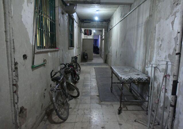 W podziemnym szpitalu miejskim w Dumie na przedmieściach Damaszku