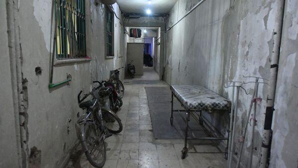 W podziemnym szpitalu miejskim w Dumie na przedmieściach Damaszku - Sputnik Polska