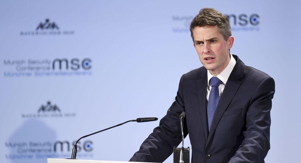 Minister obrony Wielkiej Brytanii Gavin Williamson w czasie wystąpienia na Monachijskiej Konferencji Bezpieczeństwa