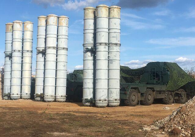 Rosyjski system przeciwlotniczy S-400.