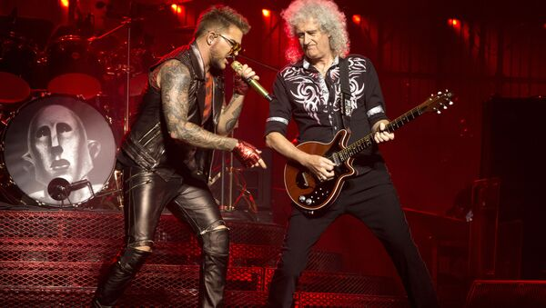 Członkowie oryginalnego składu Queen Brian May i Roger Taylor oraz piosenkarz Adam Lambert - Sputnik Polska