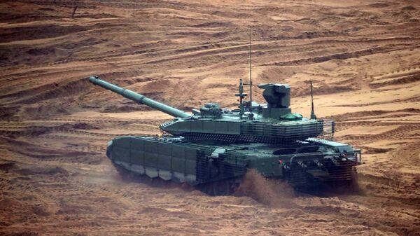 """Czołg T-90MS """"Tagił"""" podczas wspólnych ćwiczeń strategicznych """"Zapad-2017"""" - Sputnik Polska"""