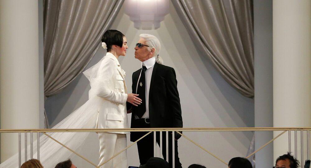 Karl Lagerfeld na pokazie Chanel
