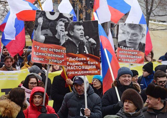 Marsz upamiętniający Borysa Niemcowa w Moskwie.