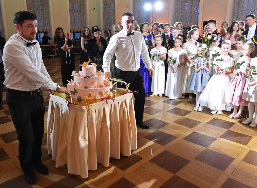 Tort dla uczestników Balu Kadetów w Domu Paszkowa w Moskwie