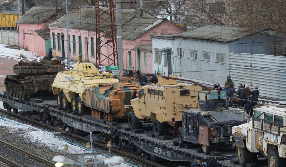 Przybycie pociągu Syryjski przełom do Biełgorodu