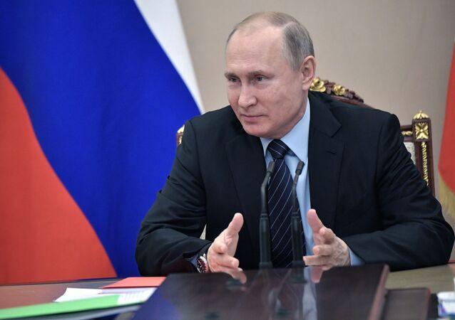Prezydent Rosji Władimir Putin na spotkaniu ze stałymi członkami Rady Bezpieczeństwa Federacji Rosyjskiej