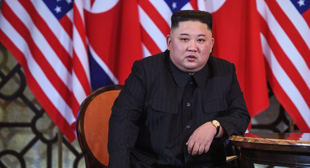 Przywódca KRLD Kim Dzong Un na spotkaniu z prezydentem USA Donaldem Trumpem w Hanoi