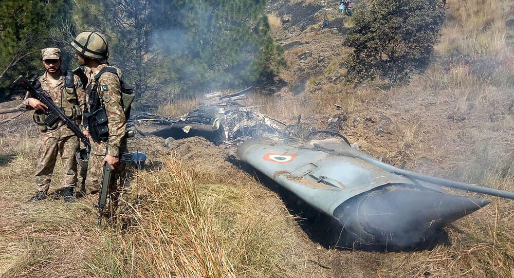 Szczątki zestrzelonego indyjskiego niszczyciela, Kaszmir