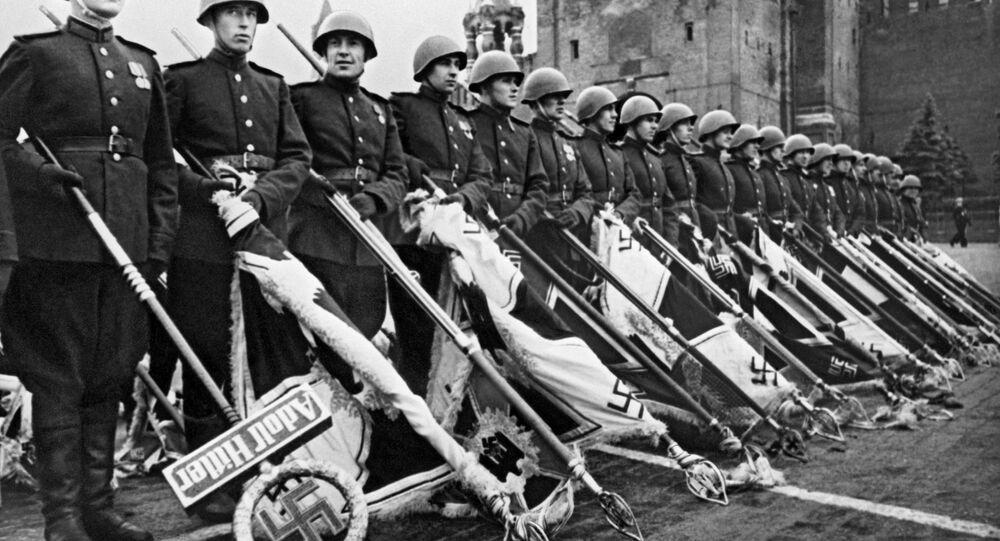 Defilada Zwycięstwa na Placu Czerownym w 1945