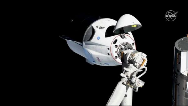 Statek kosmiczny SpaceX Dragon Crew zbliża się do MSK do dokowania - Sputnik Polska