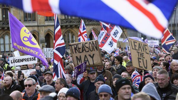 Uczestnicy akcji poparcia Brexitu w Londynie - Sputnik Polska