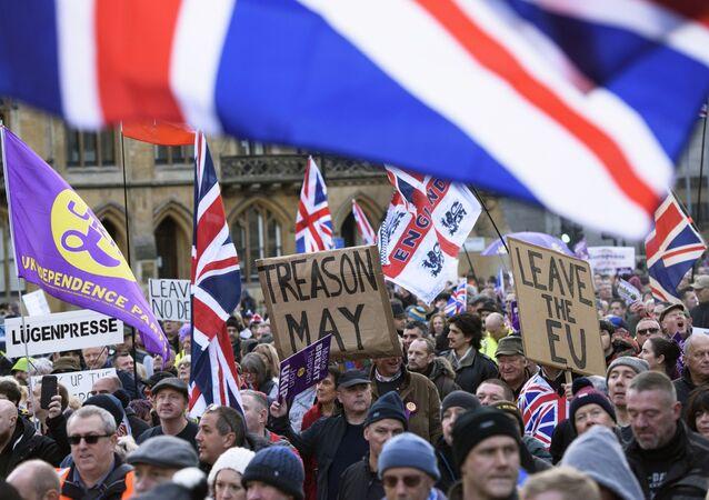 Uczestnicy akcji poparcia Brexitu w Londynie