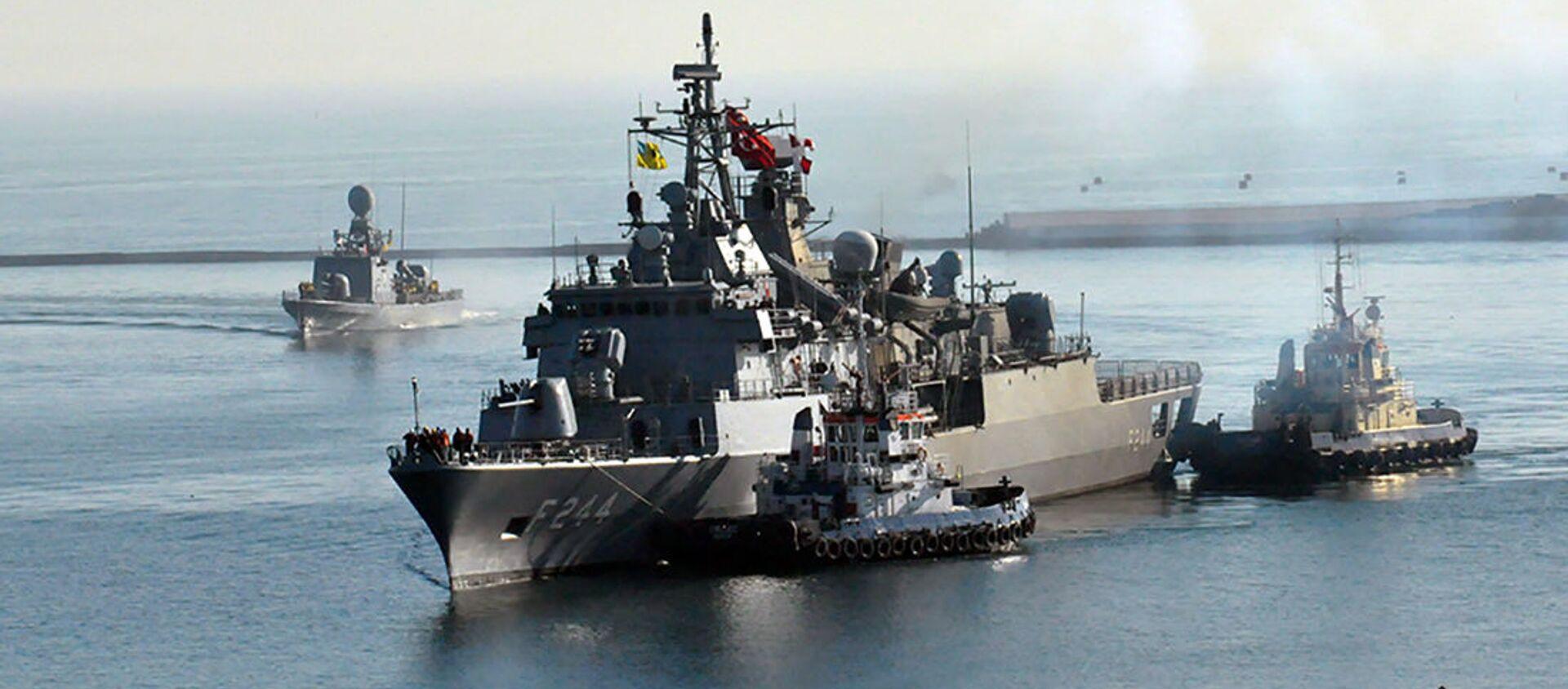 """Fregata TCG """"Barbaros"""" i kuter rakietowy szybkiego ataku TCG """"Martı"""" dotarły do portu Odessy - Sputnik Polska, 1920, 18.04.2021"""